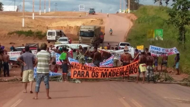 indios transamazonica