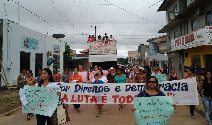 Sintepp protestou contra reforma da previdência em Novo Progresso