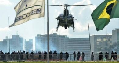 x67905469_Brasilia-DF-24-05-2017Confronto-entre-manifestantes-e-policiais.jpg.pagespeed.ic.GBu4esTbPA