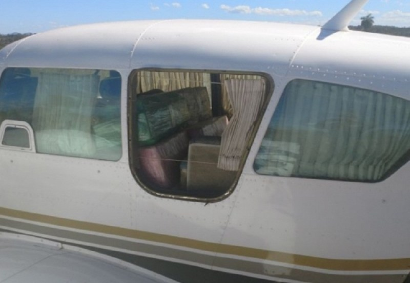 Avião Preso com Droga. (Foto PM GO)