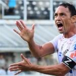 Santos vence a Chapecoense e segue entre os líderes do Brasileirão