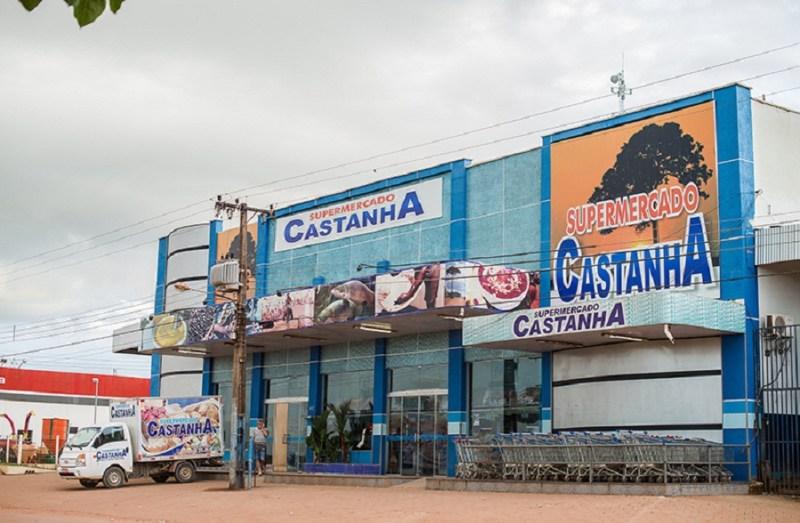 Um dos supermercados da rede de Ezequiel Castanha em Novo Progresso. O nome inspirou a Operação Castanheira, que prendeu Ezequiel e outros grileiros e desmatadores. (Foto: Mauricio Torres)