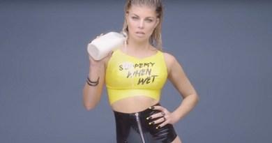 Fergie posta foto completamente nua nas redes sociais e leva fãs ao delírio