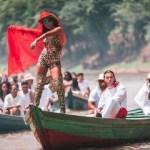 De estampa de onça, Anitta grava com DJ sueco na Amazônia: 'É rica, diversa e representa a nossa cultura'