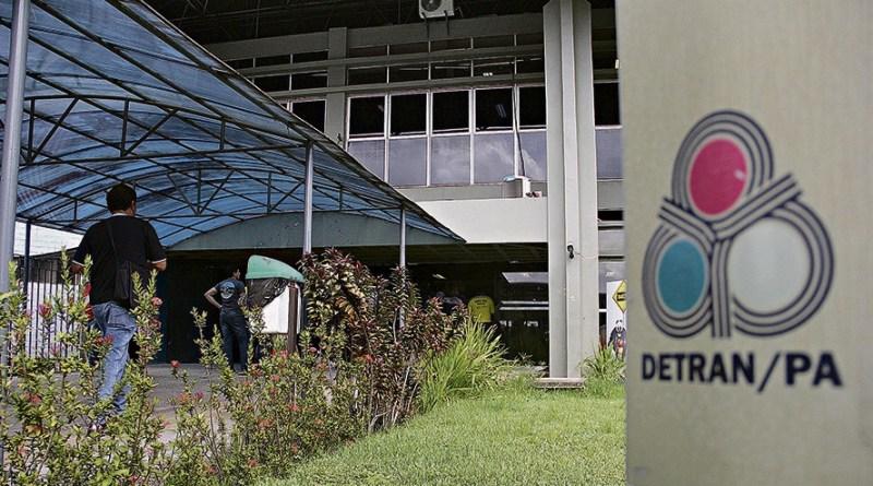 Cancelamento das carteiras pelo Detran saiu na edição de ontem do Diário Oficial do Estado. (Foto: Marcelo Lélis/Arquivo)