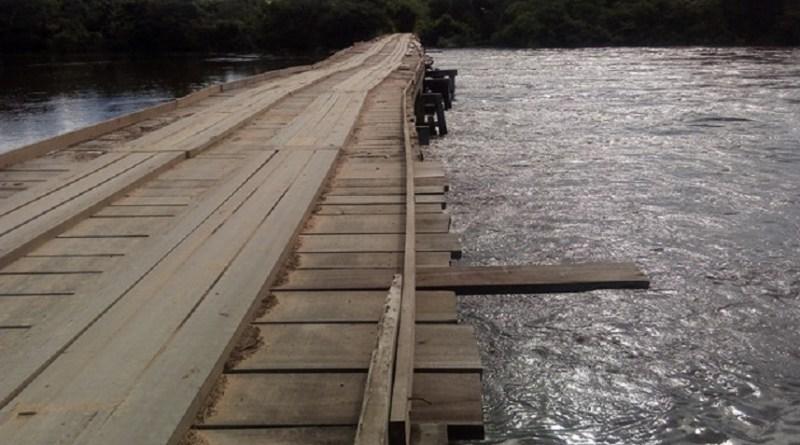 Nível do Rio jamanxim sobe e imagem de ponte assusta moradores