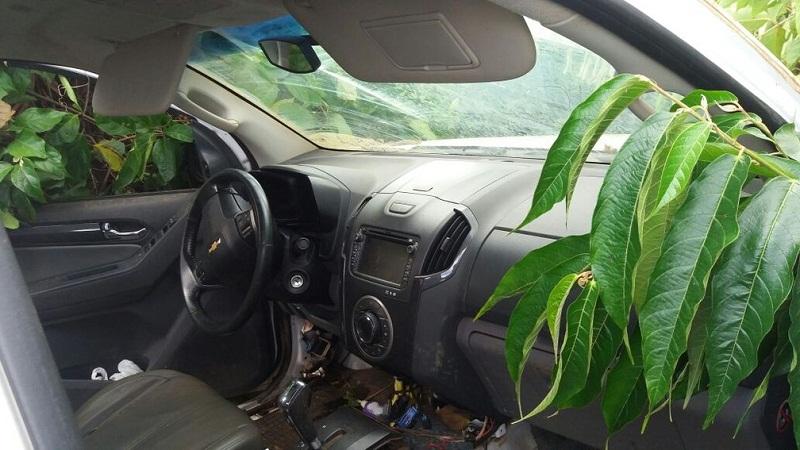 Polícia suspeita que veículo tenha sido usado para auxiliar em fuga de piloto, na terça-feira (6) (Foto: Polícia Militar de MT/Divulgação)