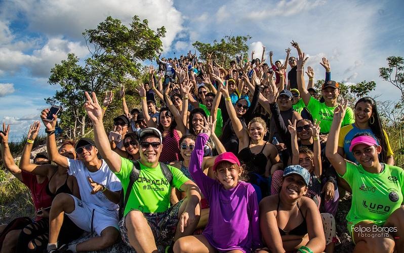 Grupo que subiu a Serra Pira-Oca durante momento descontraído (Foto: Felipe Borges/Arquivo Pessoal)