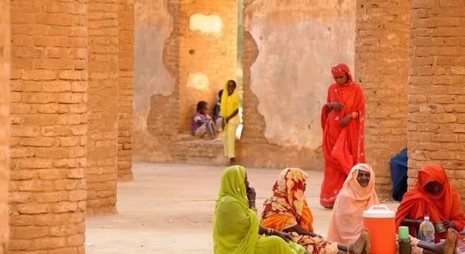 A Anistia Internacional condena a sentença de morte dada a Hussein, dizendo que ressalta a falha das autoridades em combater o casamento infantil no Sudão BBC BRASIL/Getty Images