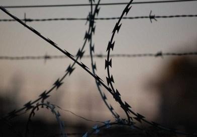 Jovem pega 15 anos de prisão por matar estudante após vídeo íntimo
