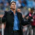 Após bronca de Renato, Grêmio deve reformar gramado durante a Copa