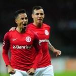 Internacional derrota o Vasco e entra no G4 do Brasileirão