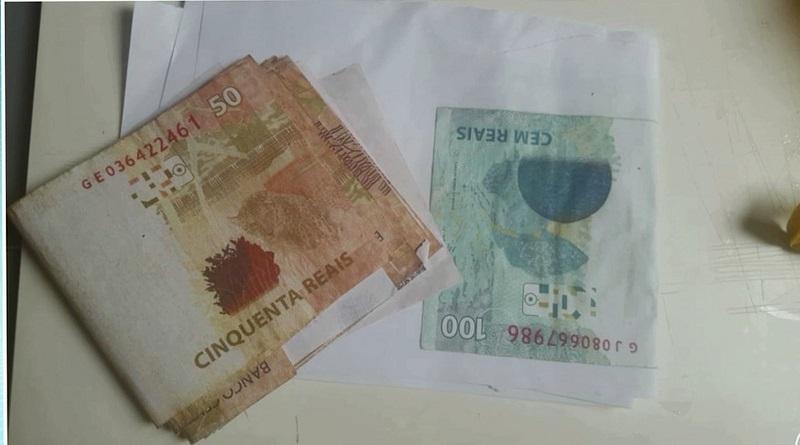 Com ele, a Polícia encontrou várias notas de R$ 50,00 e R$ 100,00 e outras em processo de fabricação (Foto: Policia Civil/Divulgação)