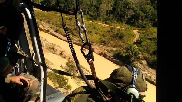 Agentes percorrem área de reserva em RO e MT (Foto: DPF/Divulgação)