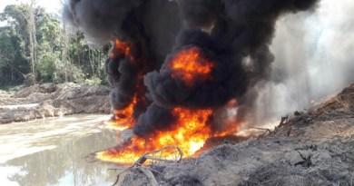 Ibama destrói maquinas de garimpos ilegais em reservas indignas de RO e MT