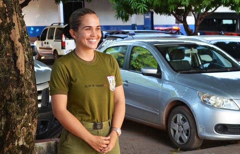 Soldada Vilidiane Teixeira, emocionada, ao falar da trajetória para ser uma policial militar do Pará (Foto: Adonias Silva/G1)
