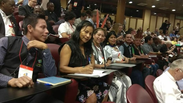 Delegação indígena da Pan-Amazônia está participando da Conferência no Vaticano (Foto: Diego Arapyun/Arquivo Pessoal)