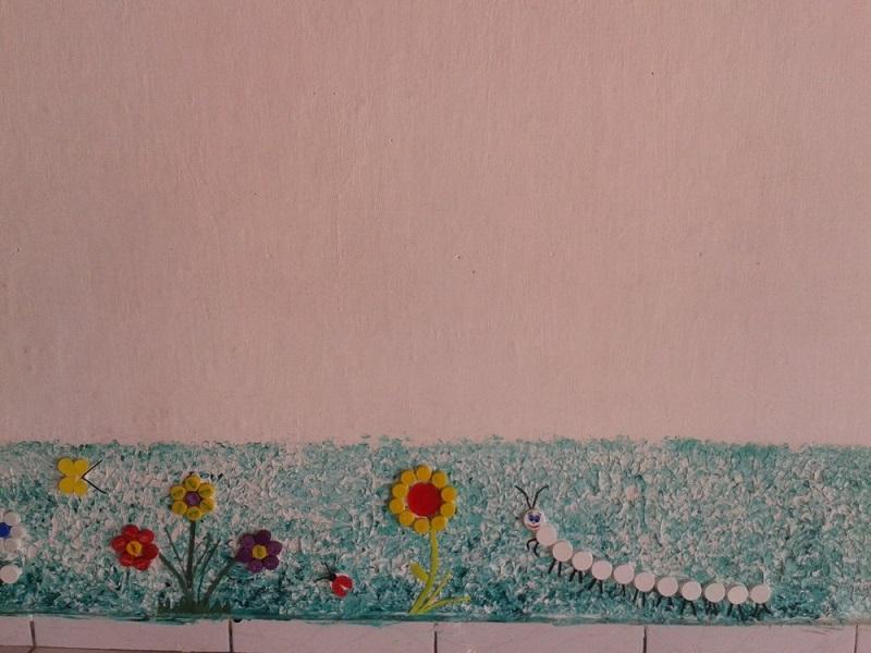 Na escola da pedagoga Dilma Guerreiro as tampinhas de refrigerante não vão para o lixo. Elas viram obra de arte (Foto: Dilma Guerreiro )