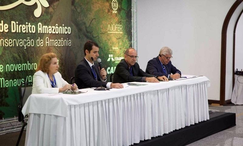 Mesa de abertura do I Seminário Direito Amazônico - Manaus em 2017 (Foto: Filipe Pinto/Divulgação)