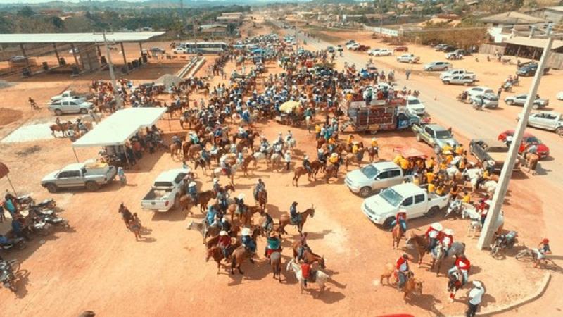 Neste domingo (26), mais de 100 comitivas tomaram as ruas do município em uma cavalgada de 8 km (Foto: Ascom Prefeitura de Anapu )