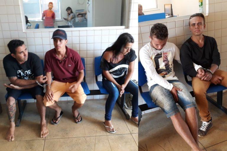 Quatro homens e uma mulher foram presos.