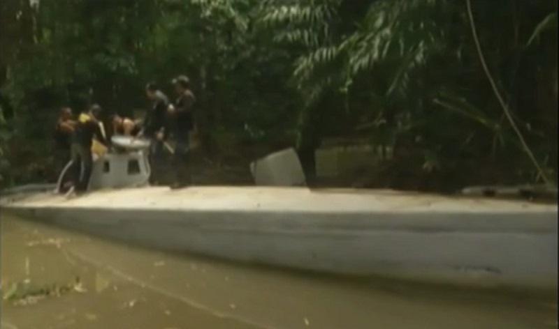 Submarino foi encontrado no minicípio de Vigia que serviria para transportar drogas (Foto: Reprodução/Tv Liberal)