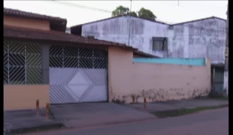 Polícia descobriu clínica de dependentes químicos que mantinha internos acorrentados.  (Foto:Reprodução G1PA)