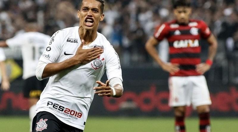 Corinthians-x-Flamengo-Rodrigo-Gazzanel-990x556