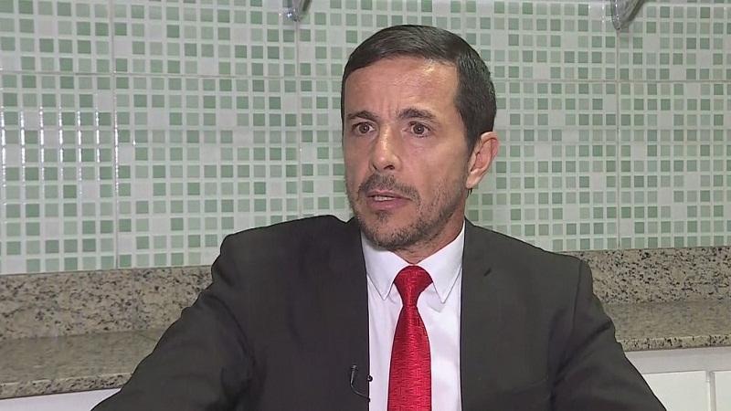 Zanone Junior, um dos advogados do acusado de esfaquear Jair Bolsonaro, também atuou no caso do goleiro Bruno (Foto: Reprodução/TV Globo)