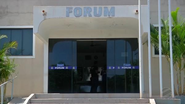 Juiz foi agredido no fórum de Paranatinga — Foto: TV Centro América/Reprodução