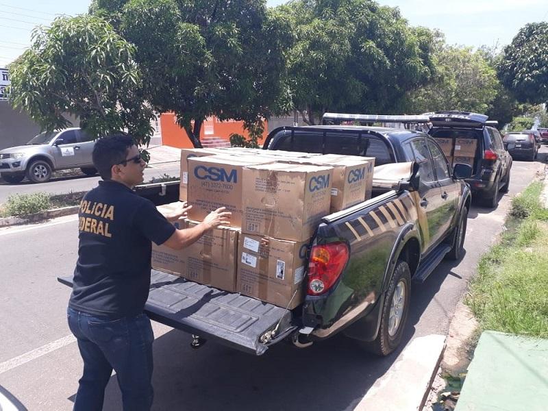Motores rabeta foram apreendidos pela Polícia Federal na sede da Colônia de Pescadores Z-20, em Santarém — Foto: Polícia Federal/Divulgação