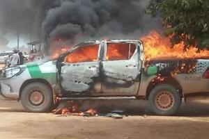 Carro do IBAMA incendiado em ataque no final de 2017 em Humaitá (AM).Foto: ivulgação/FP