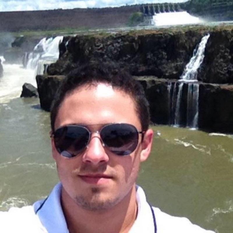 Leandro Camargo Obregão, 22 anos, morreu após veículo cair em rio — Foto: Facebook/Reprodução