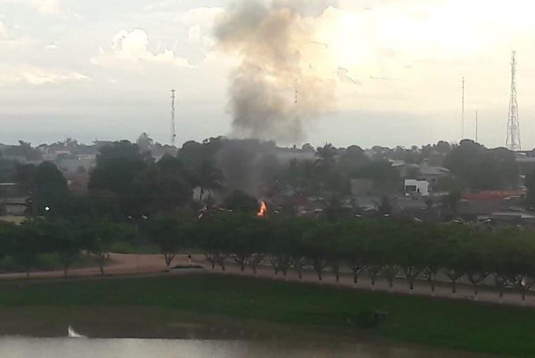 Casa pega fogo no bairro Santa Luzia em Novo Progresso- um morre carbonizado