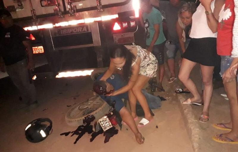 Motociclista colide com carreta estacionada e morre em Novo Progresso