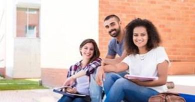 Estudantes podem optar entre o Fies ou bolsas de estudo para iniciar um curso superior