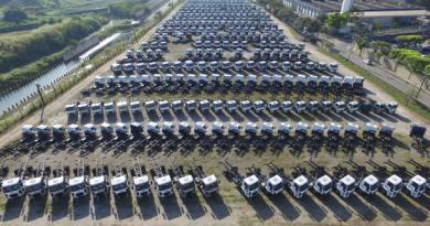 MF SAO BERNARDO DO CAMPO/SP - 25/05/2016 - EMBARGADO / PÁTIO / FORD - ECONOMIA - Pátio de caminhões e caminhonetes novas, da montadora Ford, em São Bernardo do Campo. FOTO: MÁRCIO FERNANDES/ESTADÃO