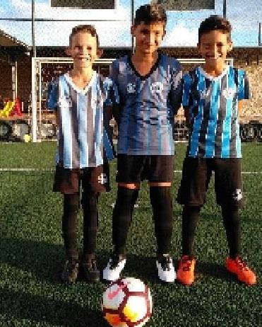 Uerick Douglas dos Santos Luz Polido (10 anos), Guilherme Pereira Pontarolo (11 anos) e Guilherme Pereira de carvalho (11 anos).(Foto:Divulgação Cultura Fm)