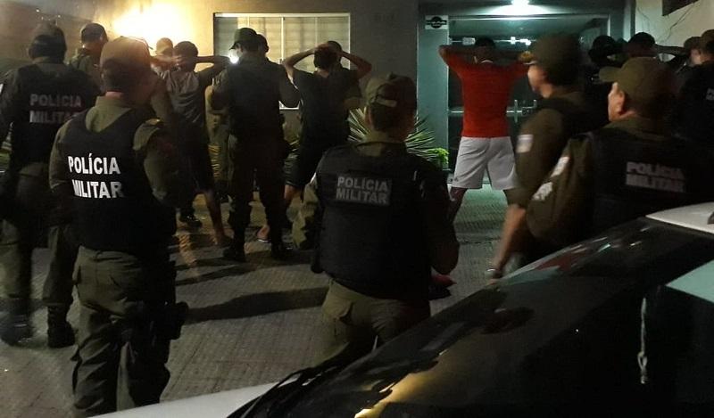 Mais de 100 pessoas foram abordadas durante a operação integrada — Foto: Polícia Militar/Divulgação