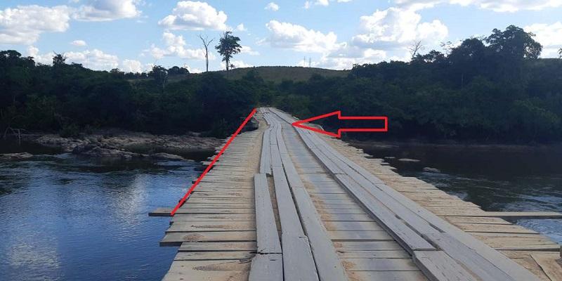 Estrutura da ponte cedeu e formou uma curva acentuada(Foto: JORNAL FOLHA DO PROGRESSO)