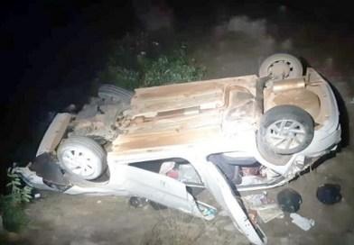 Carro capota, cai em ribanceira e deixa quatro pessoas feridas na BR-163 entre Matupá e Peixoto Azevedo no MT
