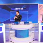 Eduardo Bolsonaro vai armado ao SBT e é reprovado por Silvio Santos