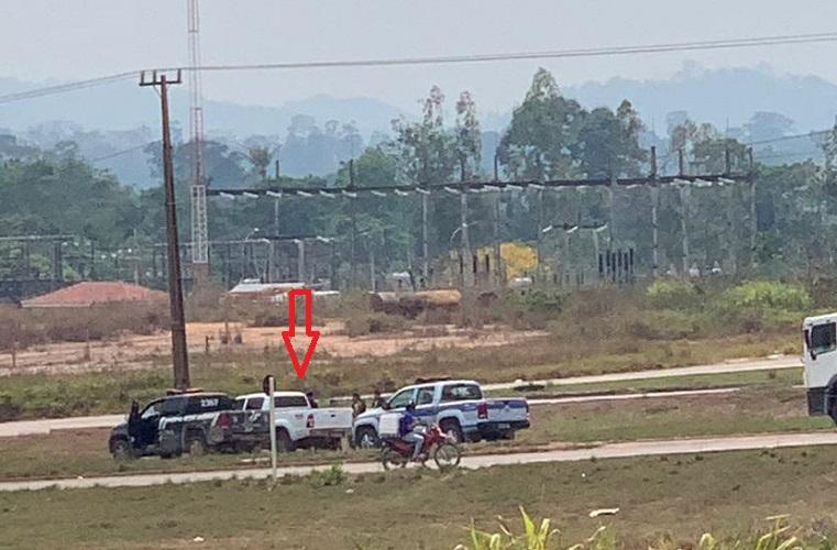 A motorista da Hilux foi detida pela policia civil e militar(FTo:Reprodução WhatsApp)