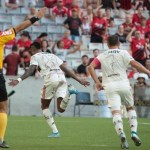 Flamengo bate Athletico na Arena da Baixada e quebra jejum