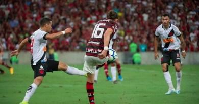 Flamengo-x-Vasco-pelo-Brasileirão-Foto-Alexandre-VidalCRF-988x556