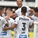 Santos faz a festa na Vila, goleia o Flamengo e garante o vice-campeonato