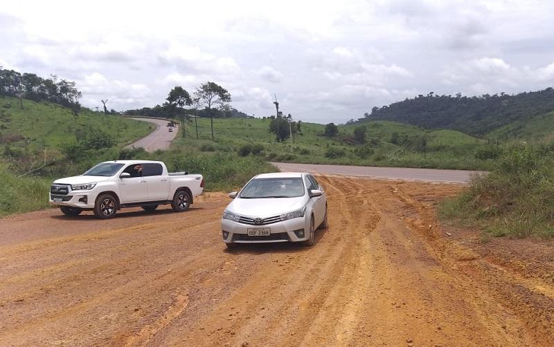 Veiculo Corola roubado e recuperado pela Policia(Foto:Whatsapp)