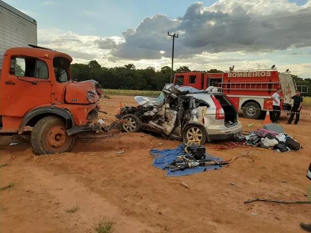 Empresário e filha de 8 anos morreram após acidente na BR-163 em Vera -- Foto: Corpo de Bombeiros de Mato Grosso/Divulgação