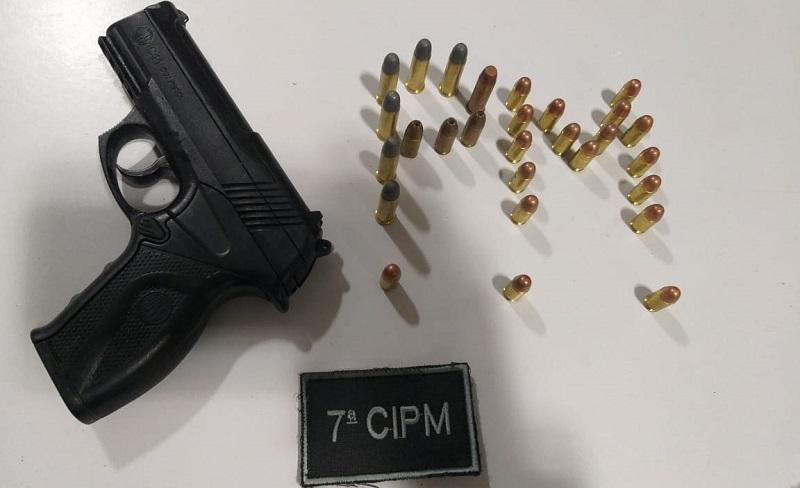 Arma e munição apreendida (Foto:Divulgação WhatsApp)
