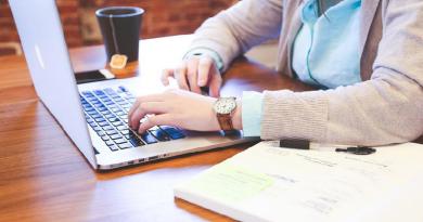 Para melhorar o processo seletivo, instituições de ensino adotam ferramentas on-line